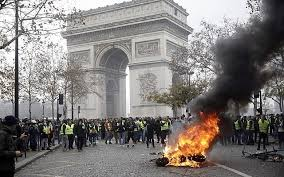 Yellow jackets on the Champs Elysees